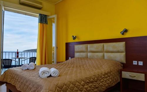 Double sea view room with double bed (2)